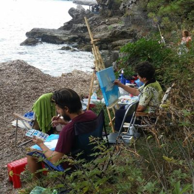 outdoor-painting-at-the-picturesque-poros-seashore(4)