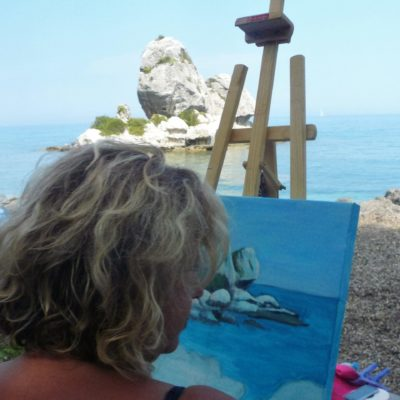 outdoor-painting-at-the-picturesque-poros-seashore(6)